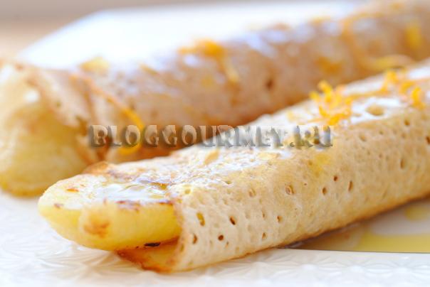 Крепы с бананами и апельсиновым соусом