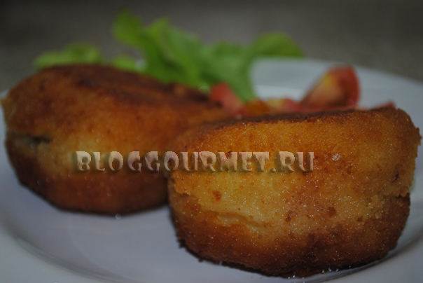 картофельные крокеты с курицей и грибами