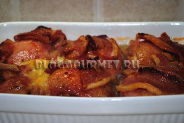 Курица, запеченная с сыром и беконом