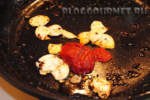 свиные ребрышки в томатном соусе
