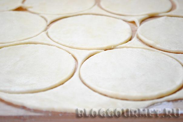 пирожки из пресного теста