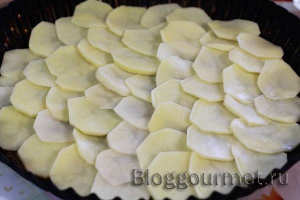 Картофельная запеканка с овощами и сыром