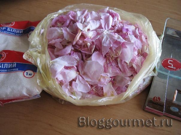 Розовое варенье – сохраните лето на зиму