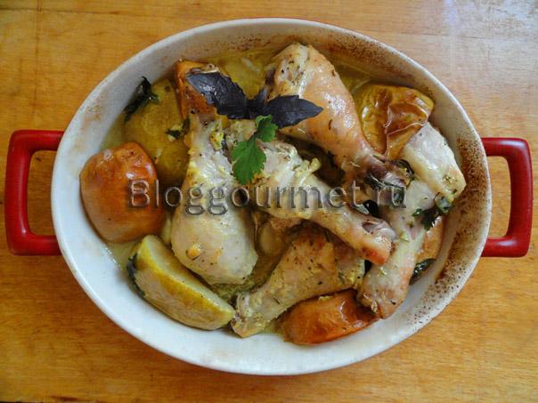 Курица с грушами и яблоками