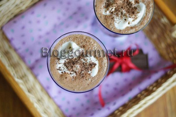 Шоколадный коктейль с мороженым