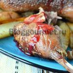 Целая утка, запеченная с пряностями и цитрусовыми
