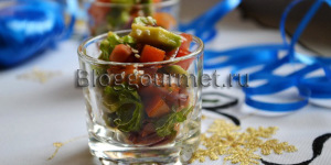 Салат из авокадо и хурмы
