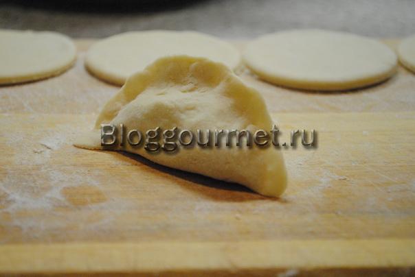 Рецепт теста для вареников с творогом на кефире рецепт с пошагово