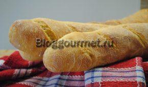 Миниатюра к статье Как в домашних условиях испечь французский багет в духовке: рецепт с фото