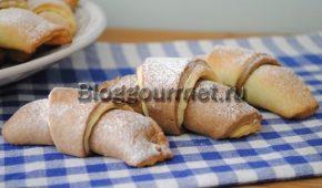 Миниатюра к статье Двуслойные рогалики с грецкими орехами