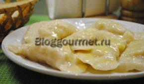 Миниатюра к статье Вареники с картошкой и луком