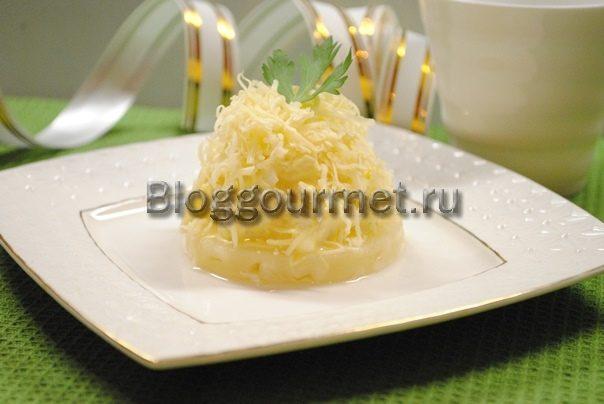 салат с курицей и ананасом и сыром