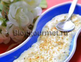 Луковый соус с лимонной цедрой