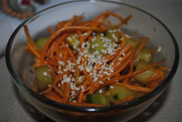 салат из моркови со свежим огурцом
