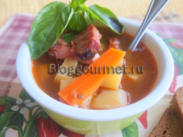 Суп с чечевицей и копчеными ребрышками