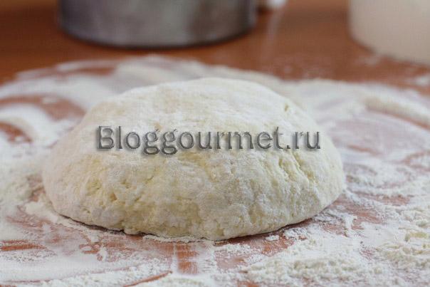 Тесто для пирожков (на твороге и кефире) 05