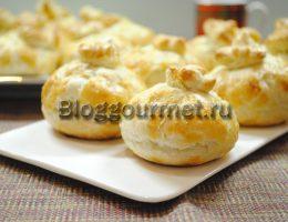 пирожки из слоеного теста с фаршем в духовке